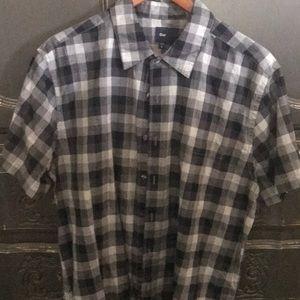 Short sleeve Gap shirt